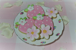 Strawberry blossom sugar cookies on vint
