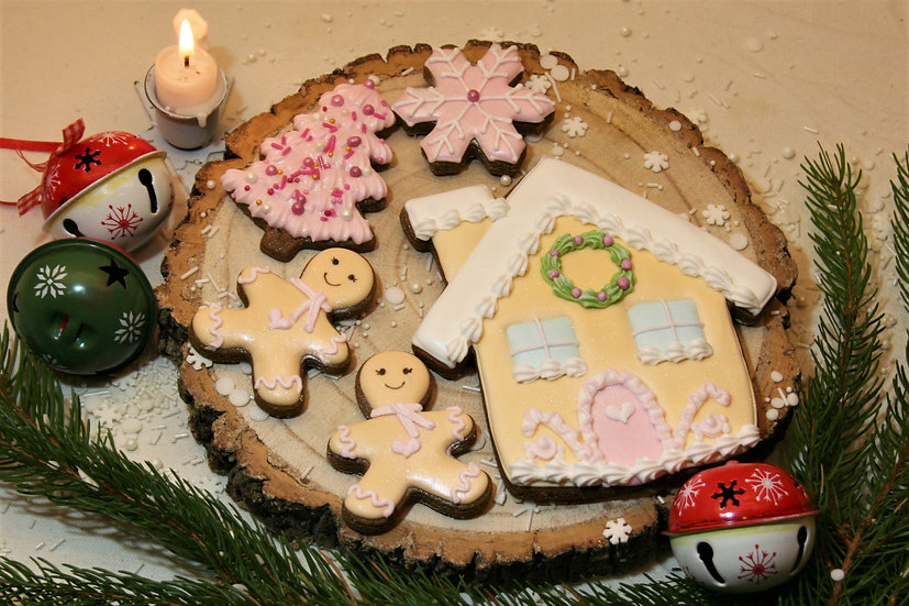 Pink Gingerbread House Gift Box