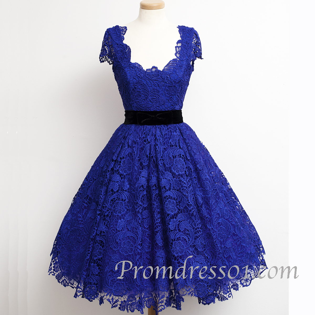 Vintage dresses by Promdress01.com