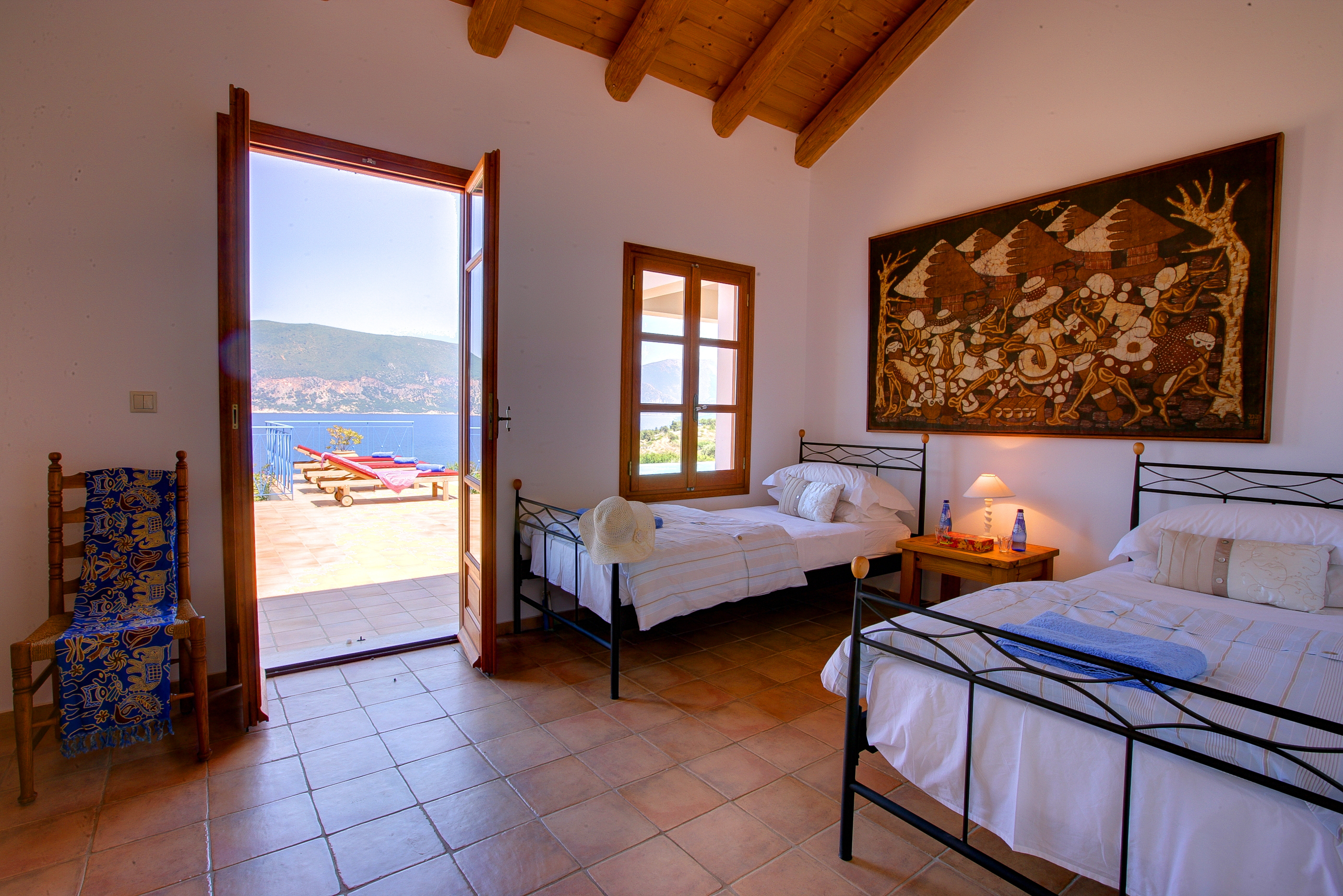 Dolicha Villa twin bedroom
