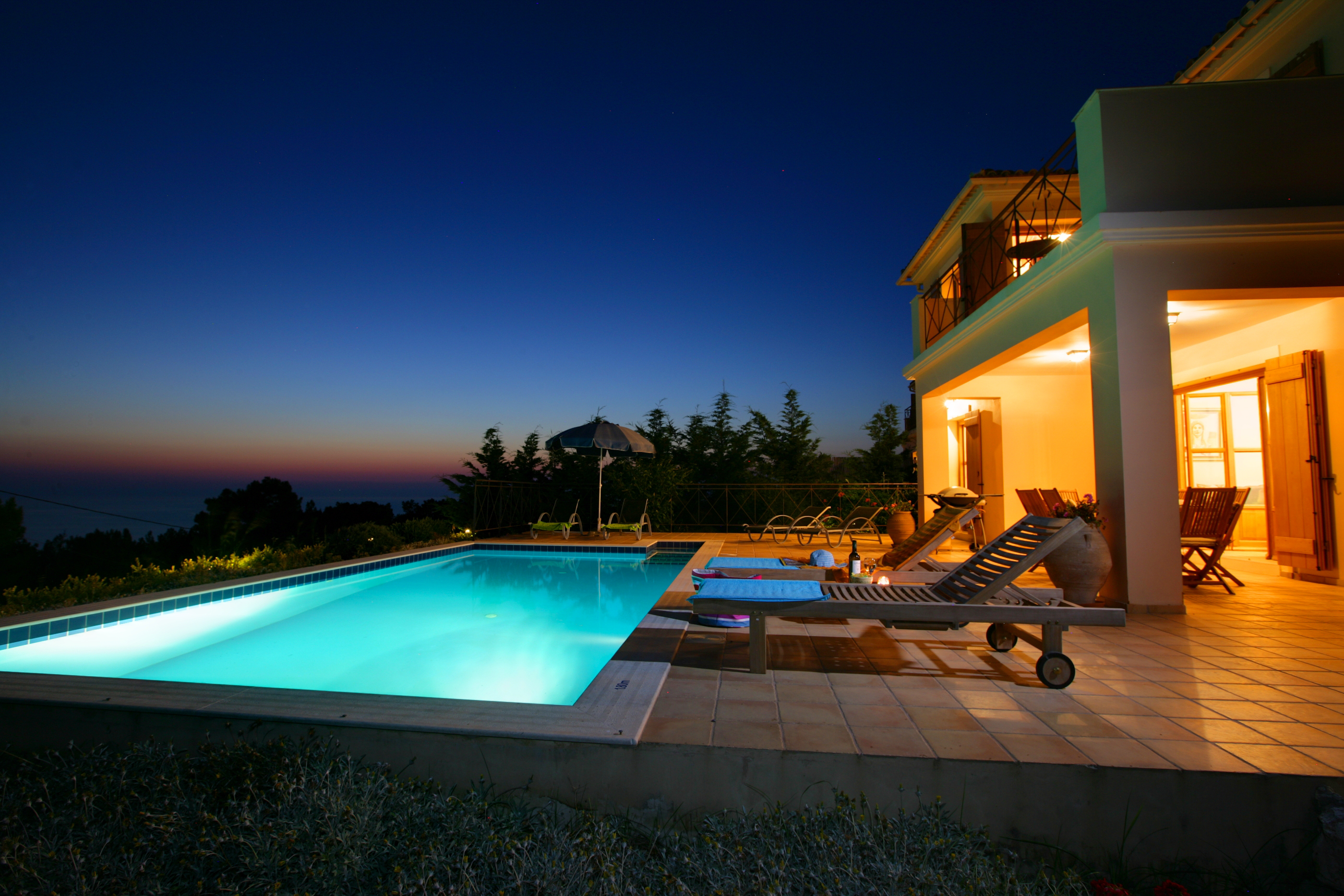 Villa Bernice evening pool
