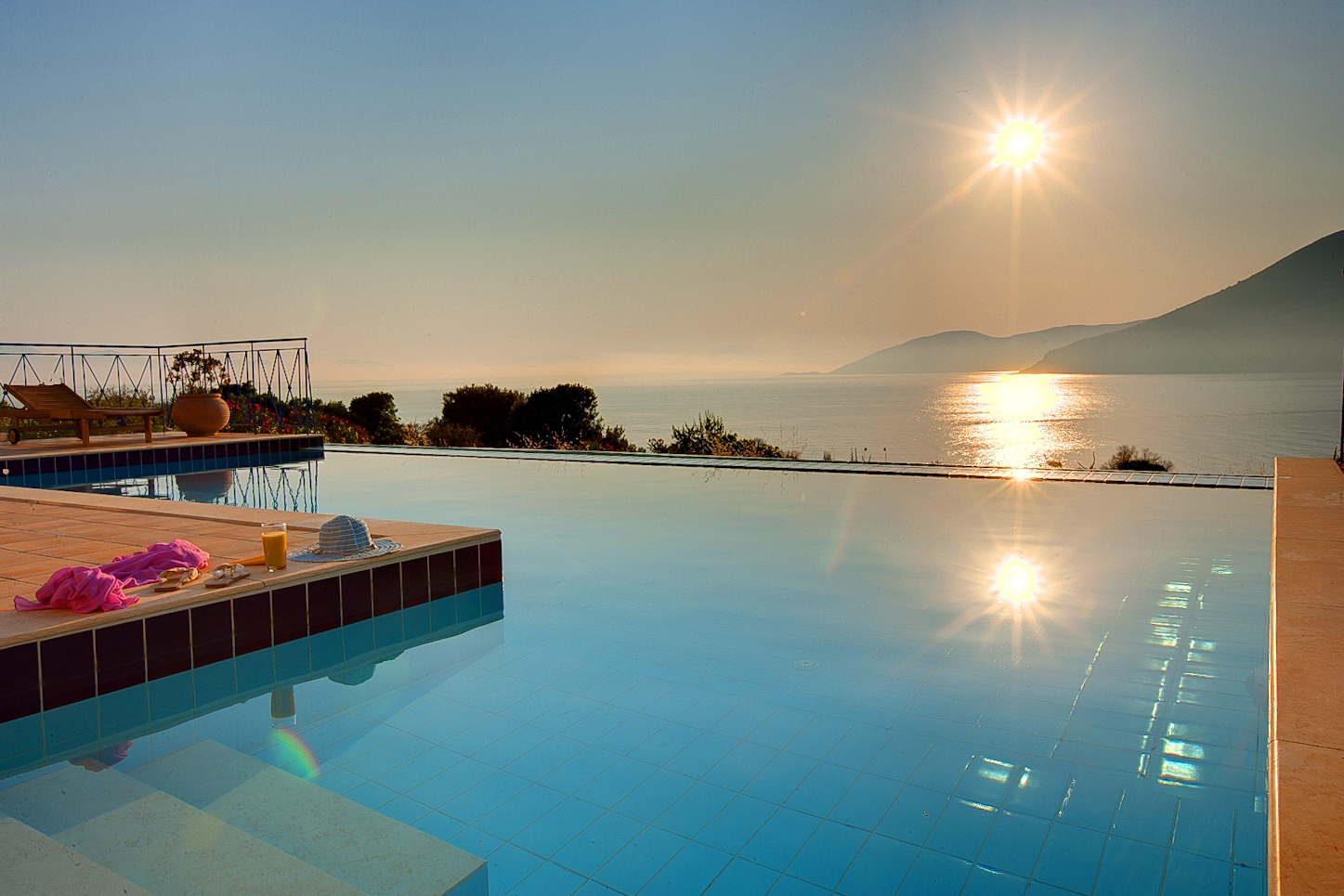 Dolicha Villa infinity pool