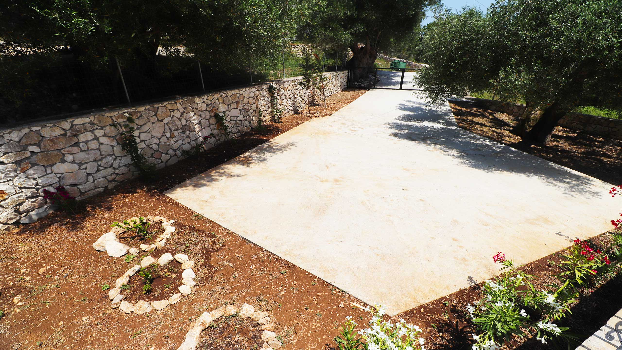 Olive Press Psilithrias