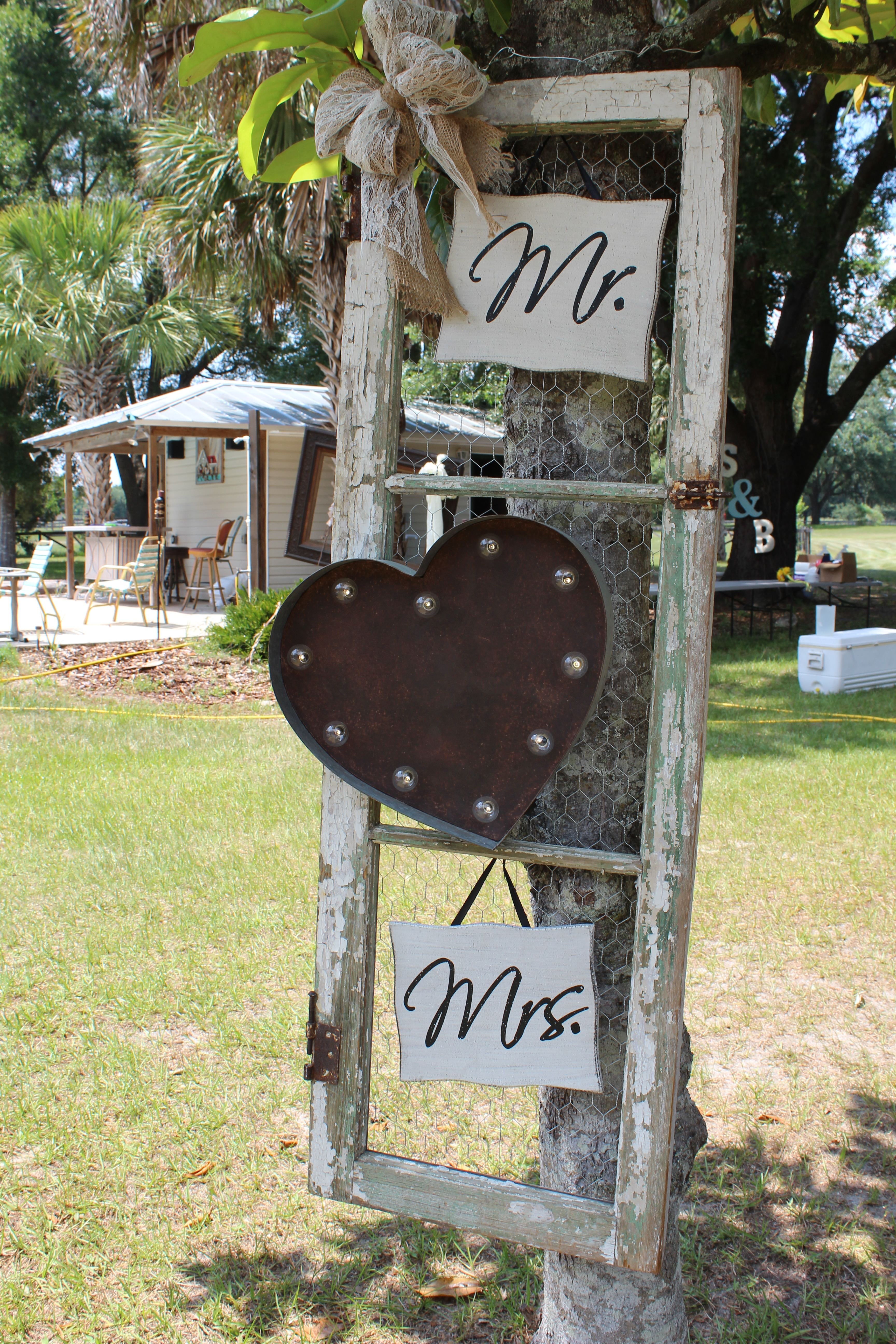 Mr and Mrs Sign.jpg