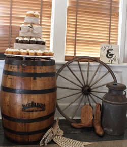 Whiskey barrel wagon wheel cupcakes.jpg