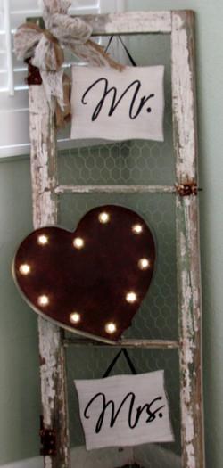 Mr and Mrs light up heart sign.jpg