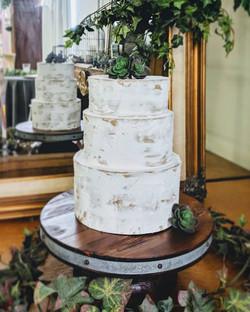 Wood Rivet Pedestal Cakestand