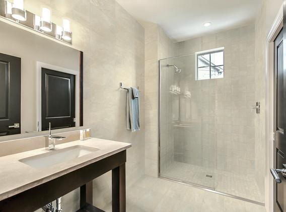 Craftsman_DP_Bathroom_FTI27202_6x6_12x24