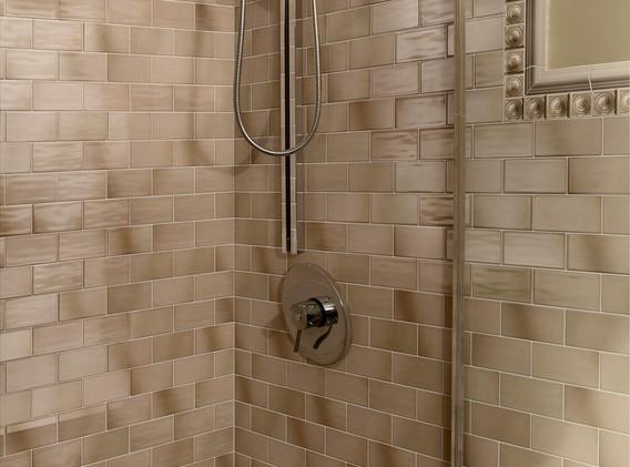 Retroclassique_Mocha_bathroom.jpg