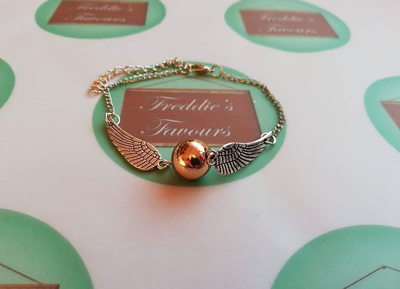 Golden winged charm bracelet jewellery gift snitch