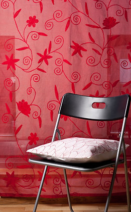 Rote Ari Gardine mit roter Stickerei