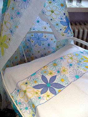 Alloverstreifen Bettwäsche in Blautönen fürs Baby