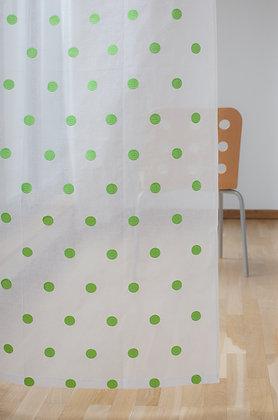 Weiße Gardine mit grünen gestickten Punkten