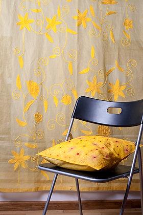 Gelbe Ari Gardine mit gelber Stickerei
