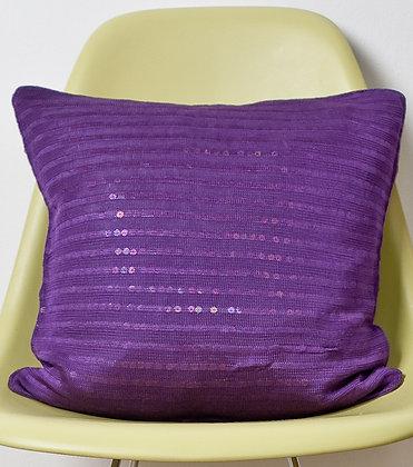 Violettes Strickkissen aus Viscose mit Pailetten