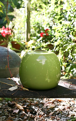 Grüne Vase aus Keramik