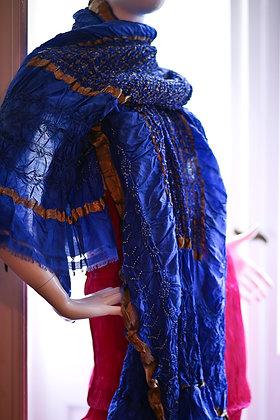 Blaues Seidetuch mit Metallfäden & Tye -Dye