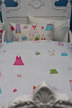 Bettwäsche mit applizierter Mode fürs Kleinkind