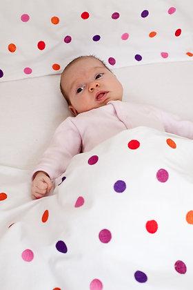 Bettwäsche mit bestickten Punkten fürs Kleinkind
