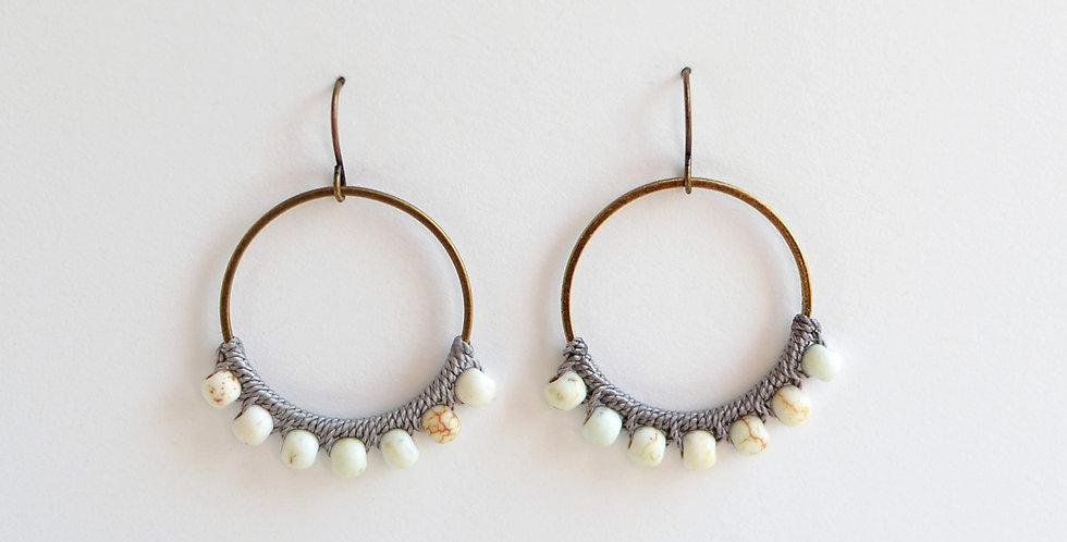 WHITE & GRAY BRASS CIRCLES