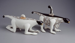 043. The games of Chameleons (teapots) (2002)