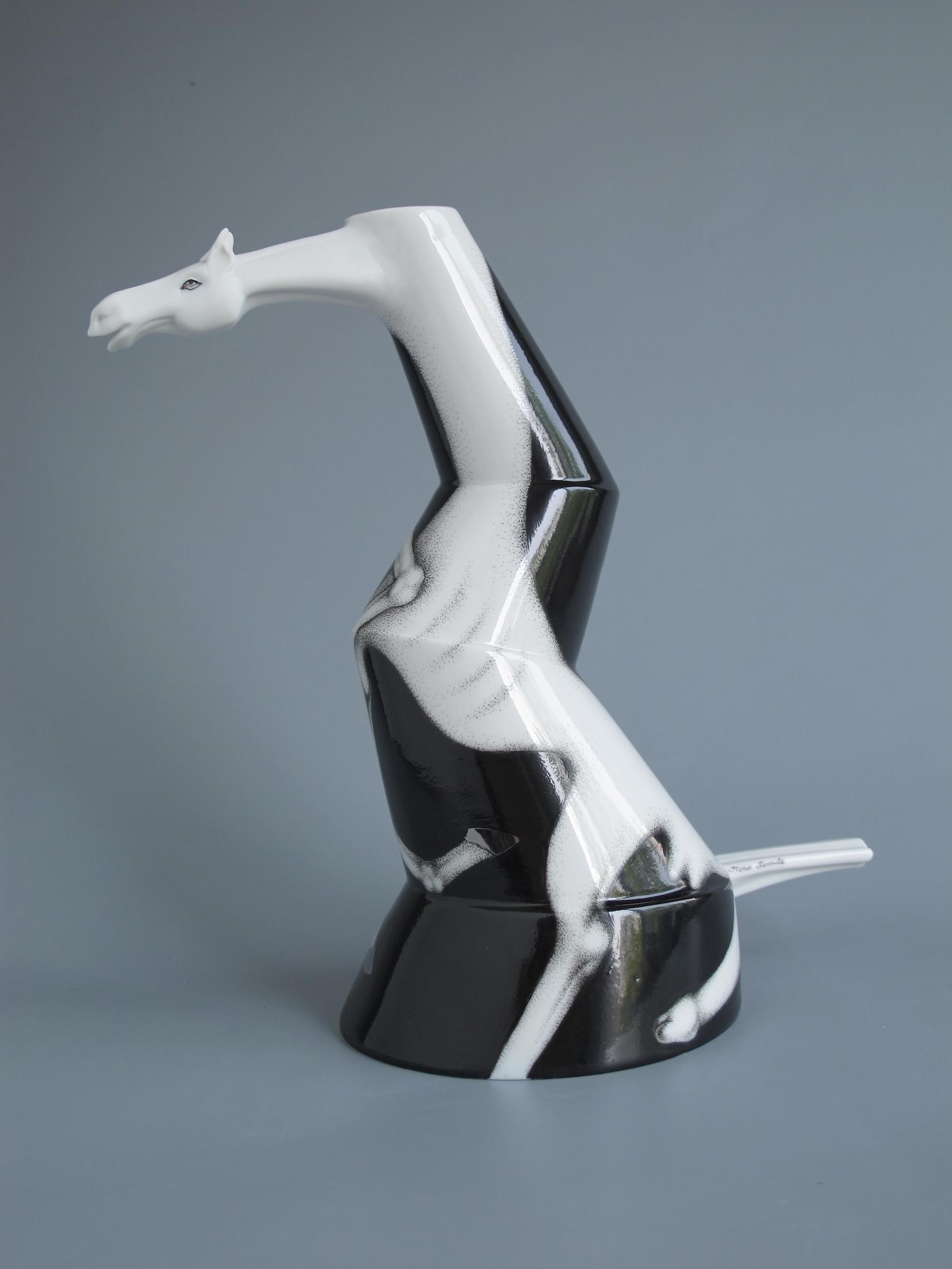 3a. Horse -vase