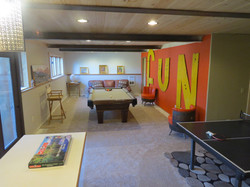 Guest Lodge - Game Room