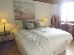 A Guest Lodge Bedroom (Queen)