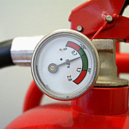 fire-extinguisher-servicing-01-107416.jp