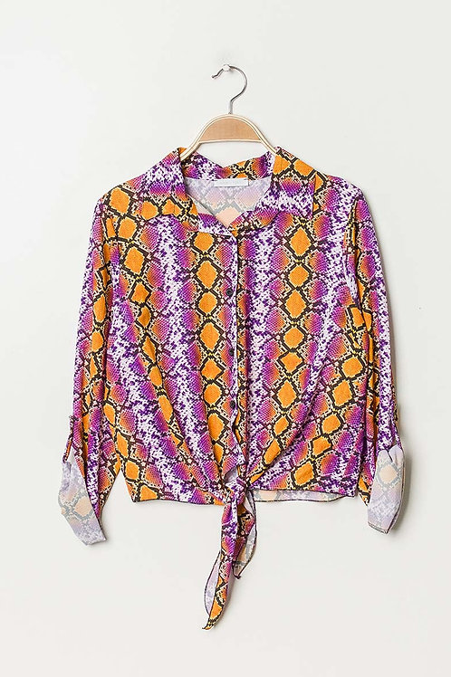 Crop shirt with knot