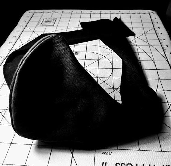 Basic Black Reversible face mask