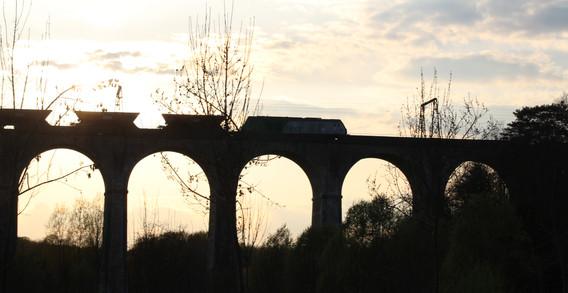 Viaduc ferroviaire de Besnault