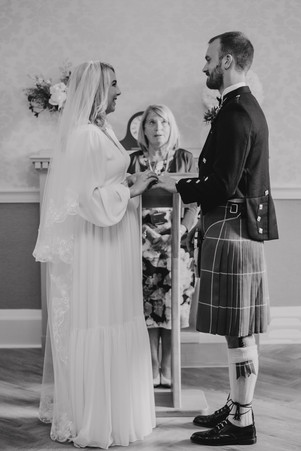 Hanne-Mary & Andrew's wedding at Edinburgh City Chambers & St Columba's by the Castle , wedding photos, wedding photographer, Edinburgh, Glasgow, Scotland
