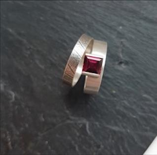 Rhodalite Ring
