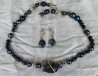 Dark as Midnight Necklace and Eardrops