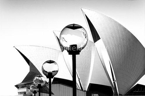 Sails lights Black & white