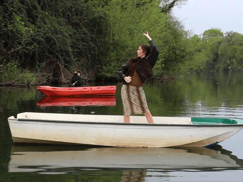 flamenco sur une barque