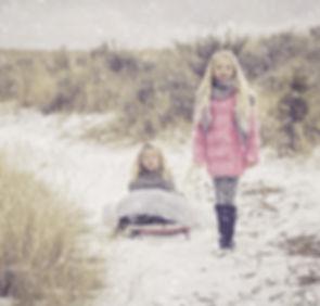 sisters-1109596_1920.jpg