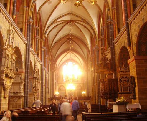 Kirchenführungen - 9 Schulklassen im Bremer Dom