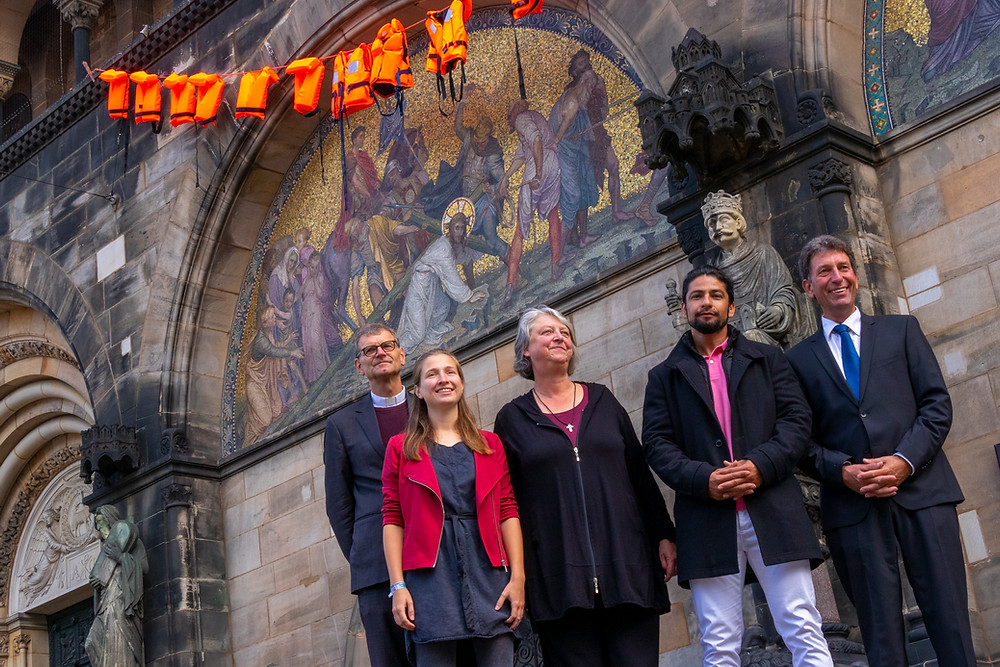 Zu sehen sind: Henner Flügger, Dorina Diesing, Doris Nauland, Atef Ranjbar und Christoph Hempel (von links)