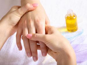 Hand-massage-19402961.jpg