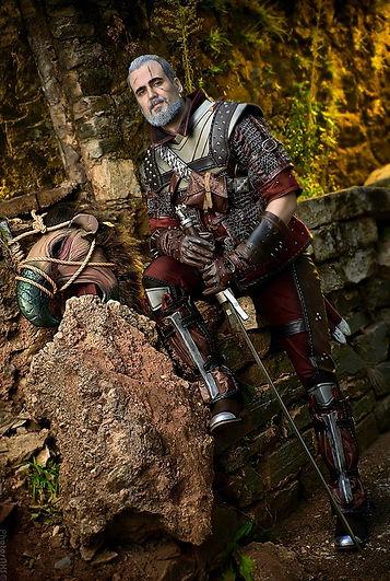 Geralt of Rivia cosplay gradmaster wolven armor