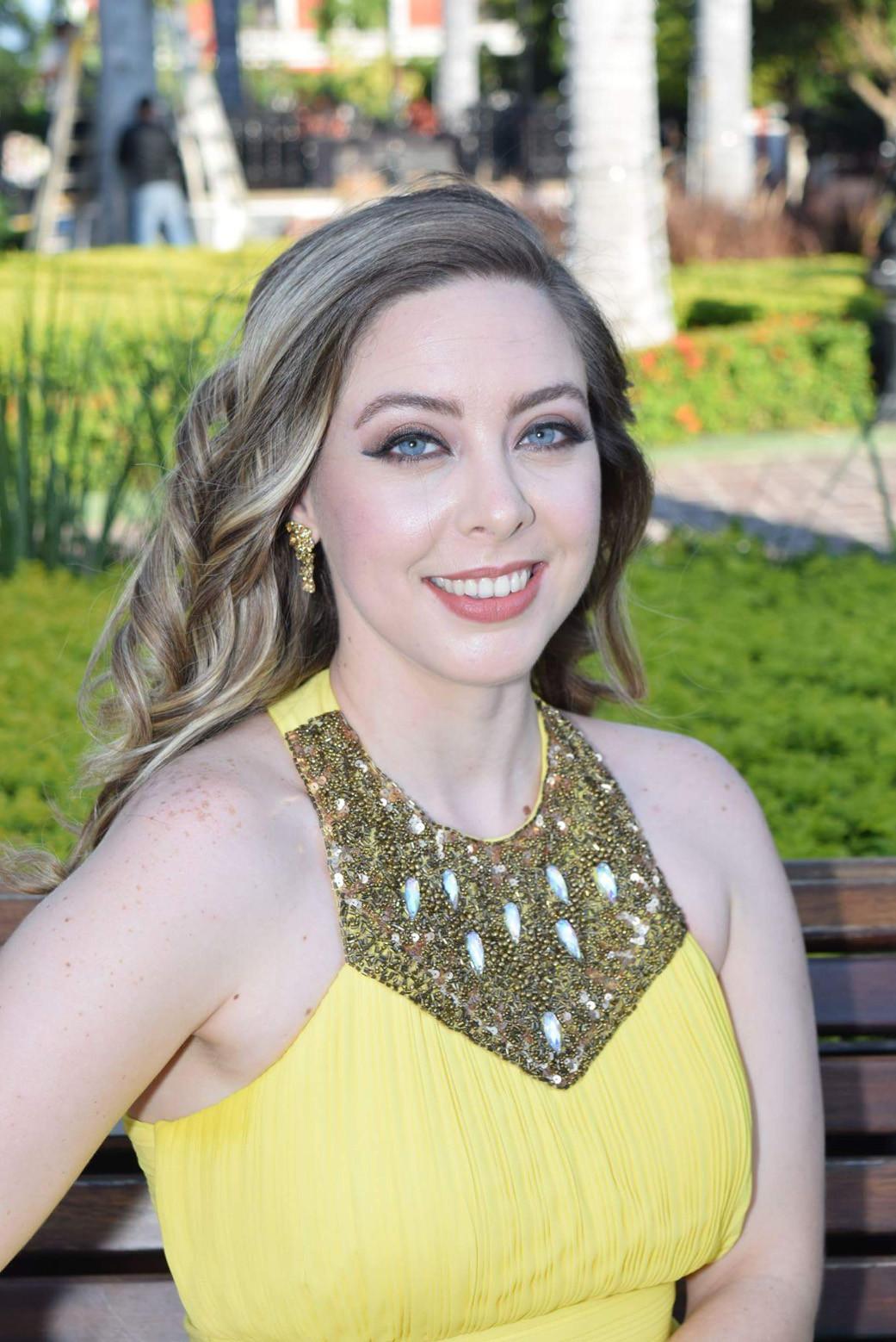 Sarah Holcombe, mezzosoprano