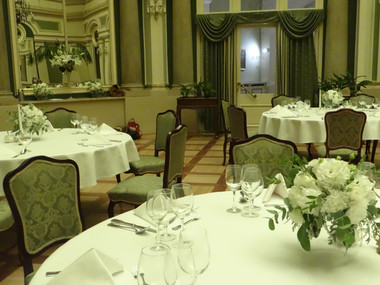 Sala lustrzana Hotelu Grand