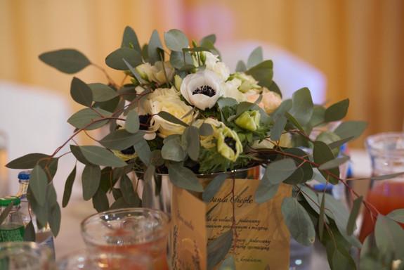 Bukiet Ślubny z anemonami i eukaliptusem