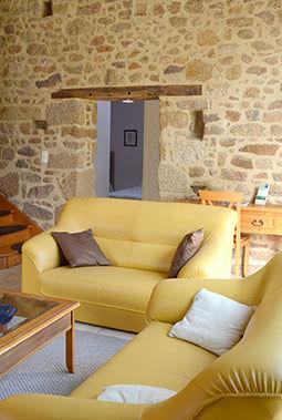 Salon jaune du gîte Les Mésanges