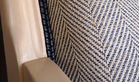 Détail d'un fauteuil Voltaire restauré
