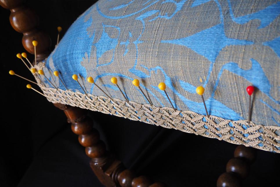 Réfection d'un fauteuil Louis 13