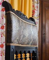 Dossier d'une chaise Henri 2 restaurée