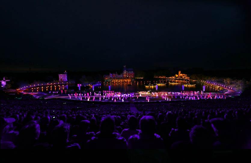 Cinéscénie du Puy du fou, spectacle nocturne